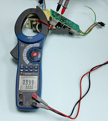 Reactive Power (main display) + Apparent Power (secondary display) Measurement