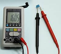 AM-1081 Hand Charger Digital Multimeter - Capacitance Measurement