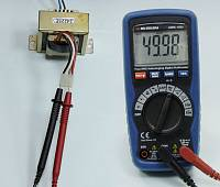 AMM-1032 Digital Multimeter - Measuring Frequency
