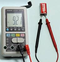 AM-1081 Hand Charger Digital Multimeter - DC Voltage Measurement